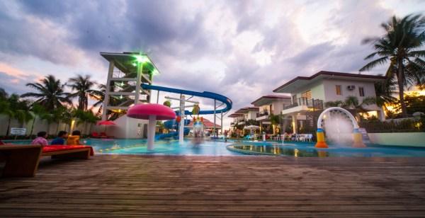 CML Beach Resort et Waterpark Batangas Beach Resorts