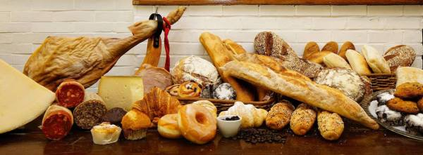 Fresh delights of Gusto y Gustos Deli and Bakery