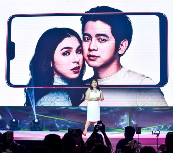 OPPO Philippines' Brand Marketing Director Ms. Jane Wan announced that OPPO has sold over 4 million smartphones in the Philippines since 2014. She also shared the brand's latest advocacy in combating online negativity and its role in capturing true beauty.