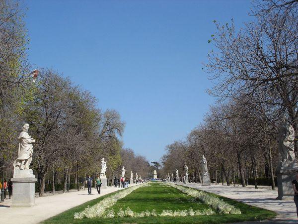 8 Most Beautiful City Parks in Europe - Paseo de la Argentina at El Retiro Park Madrid