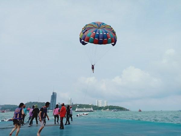 Parasailing in Pattaya