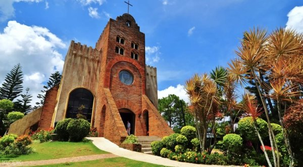 Calaruega Church photo via KLOOK