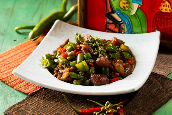 Fried Shredded Pork Trotter with Three Peppers