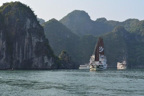 Ha Long Bay Travel Guide