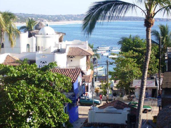 Puerto Escondido photo via Wikipedia CC