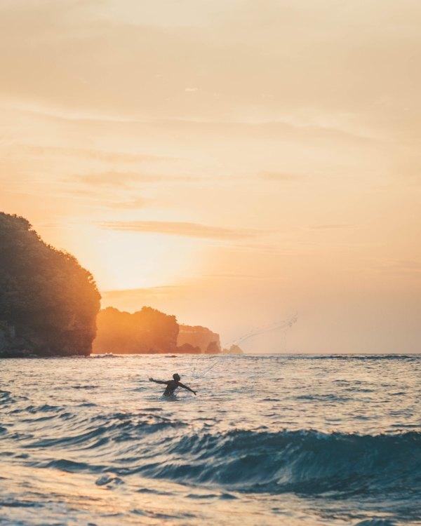 Bingin Beach by Sebastian Staines via Unsplash