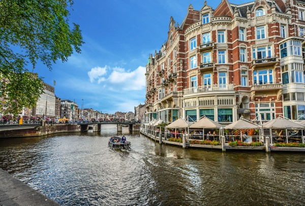 Canal Restaurants - Amsterdam Travel Guide