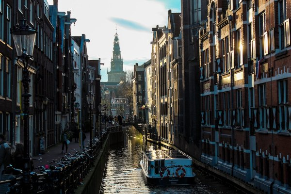 Canals of Amsterdam photo by The Lord Of The Lens via Unsplash