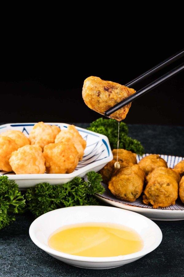 Deep-fried Pork and Water Chestnuts Dumplings (left) and Deep-fried Mashed Shrimps Dumplings