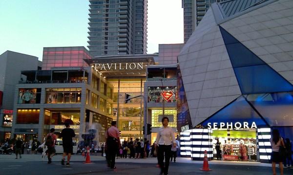 Entrance of Pavilion Kuala Lumpur image via Wikimedia Commons