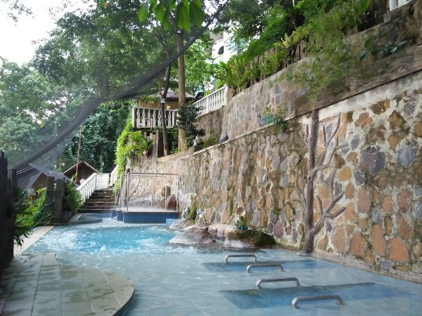 Hydro massage pool in Antipolo