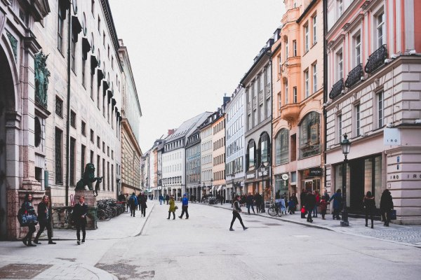 Munich Travel Guide photo by Anastasia Dulgier via Unsplash