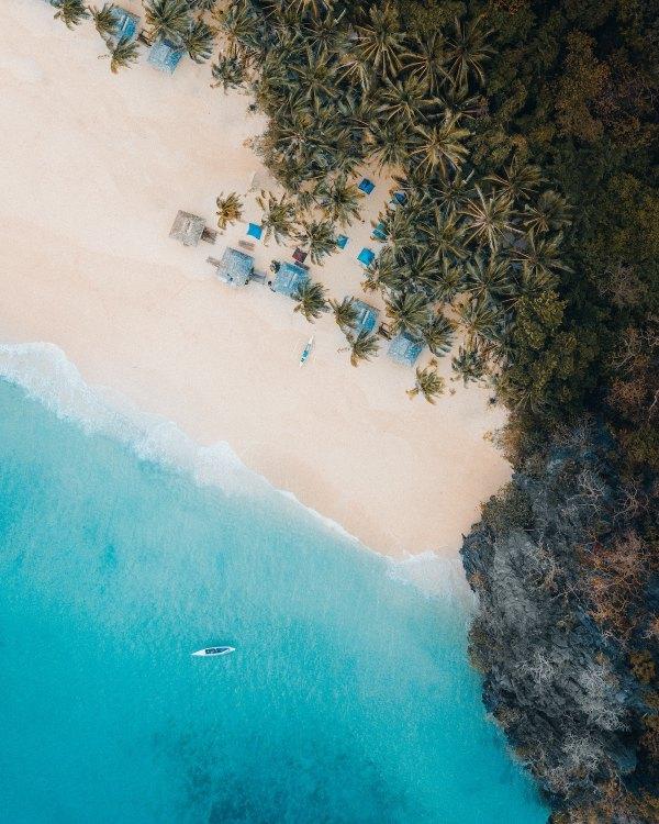 Secret Beach El Nido photo by Justin Kauffman via Unsplash