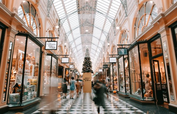 Shopping in Melbourne by Heidi Sandstrom via unsplash
