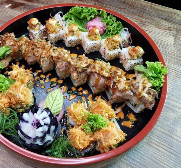 The assorted aburi sushi, sashimis, and other Japanese themed delight in Aburi restaurant