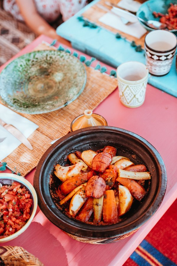 Traditional Moroccan Restaurant by Annie Spratt via Unsplash