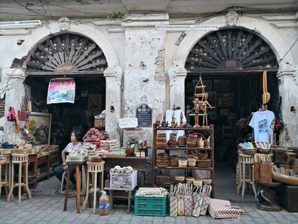 Antique and Souvenir Shops in Vigan