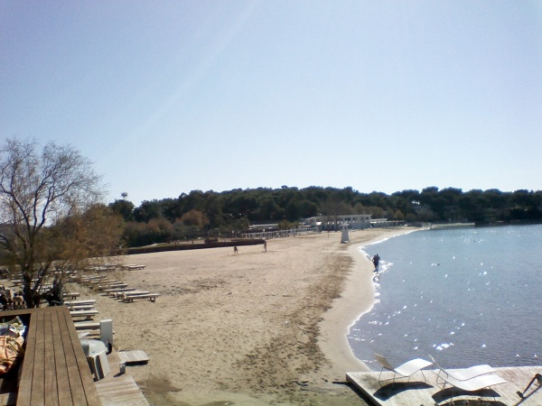 Astir Beach via Wikipedia CC