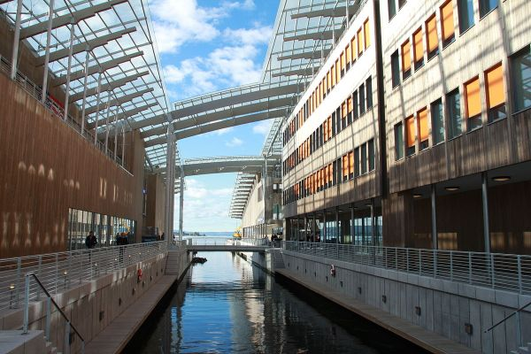 Astrup Fearnley Museum of Modern Art photo by Vidar Iversen via Wikipedia CC