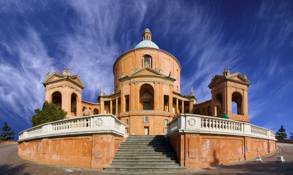 Basilica of San Luca by Puscas Vadim via Wikipedia CC