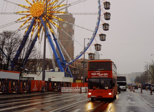 Berlin Tour Bus by Suganth via unsplash