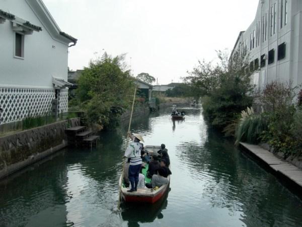 Canal in Yanagawa photo via Wikipedia CC