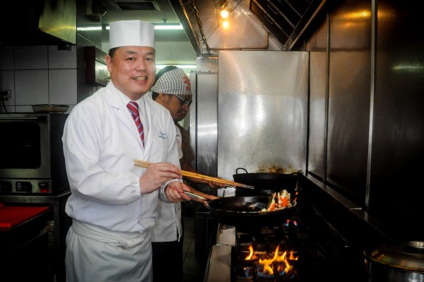 Chef Hiro whips up the freshest ingredients to create all the sumptuous dishes on the Kitsho menu.