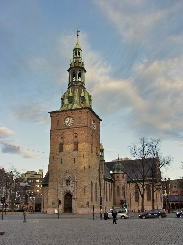 Oslo Cathedral photo by JP Fagerback via Wikipedia CC