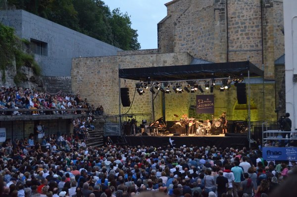 San Sebastian International Jazz Festival by Esaenzdetejada via Wikipedia CC