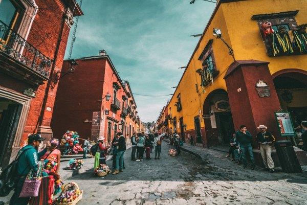 Streets in San Miguel de Allende photo by Jezael Melgoza via Unsplash