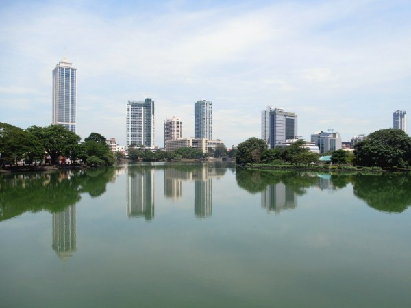 Beira Lake Colombo by David Stanley via Flickr CC
