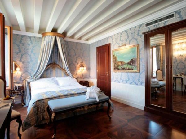 Canal Grande Hotel in Venice
