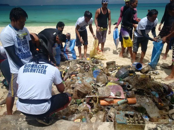 Daily underwater clean-up organzied during the closure as part of the islands rehabilitation