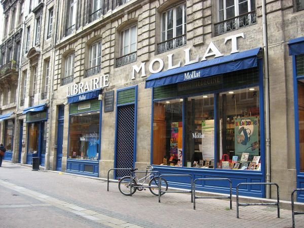Librairie Mollat by Dinkley via Wikipedia CC