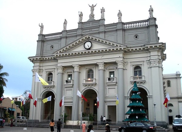 St. Lucias Cathedral, Colombo, Sri Lanka by Bevan via Wikipedia CC