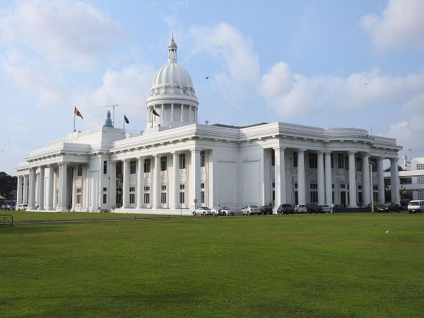 Town Hall of Colombo by Rehman A via Wikipedia CC