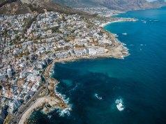 Visiting Cape Town photo by Finding Dan- Dan Grinwis via Unsplash