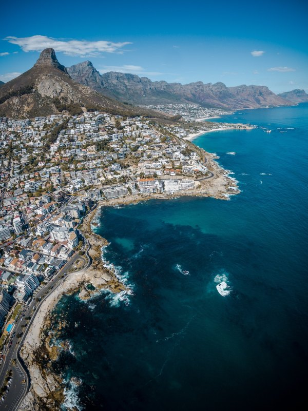 Visiting Cape Town photo by Finding Dan- Dan Grinwis via Unsplash