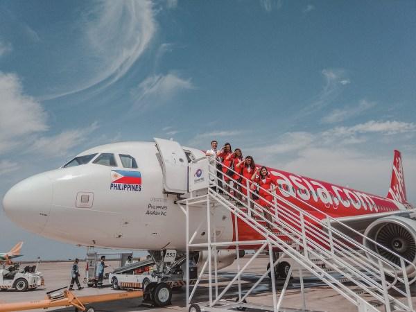 Capt. Comendador and AirAsia Cabin Crews