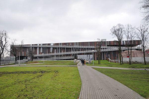 Copernicus Science Center by Wistula via Wikipedia CC