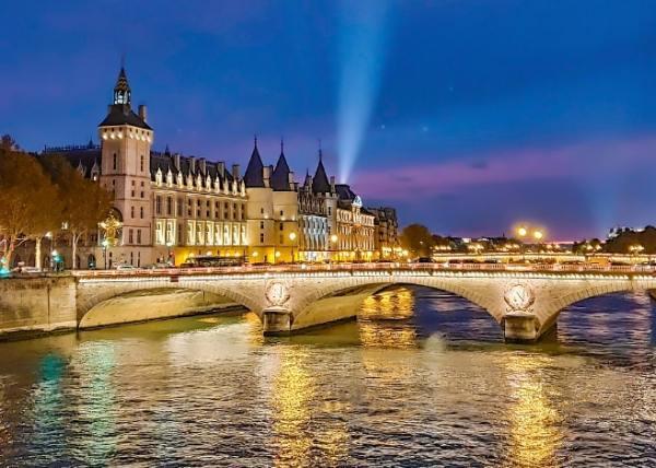 Shot on OPPO R17 Pro in Paris