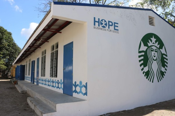 The well-ventilated and lighted Starbucks classroom is made of sturdy eco-bricks using recycled plastic to provide students with a safe and conducive learning environment.