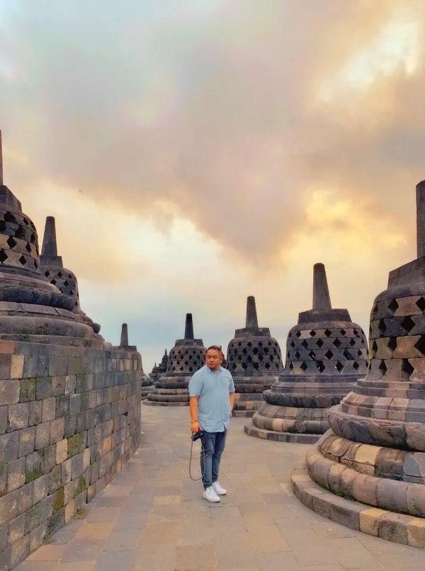Melo in Borobudur Temple