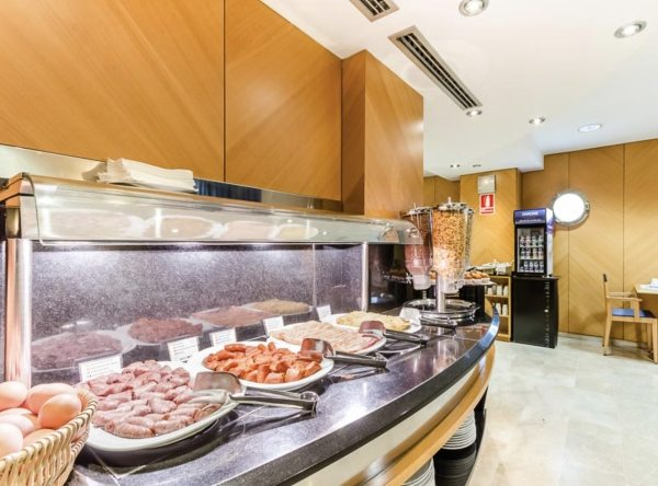 Breakfast at Hotel del Mar