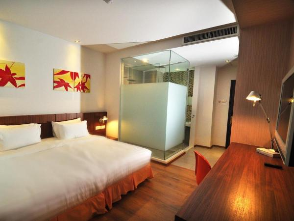 Deluxe King Bed at French Hotel Ipoh