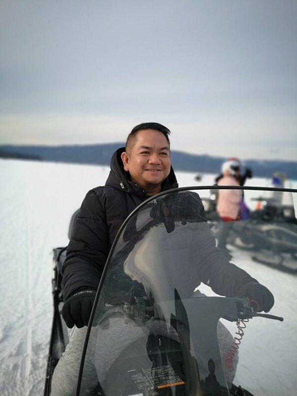 Snowboarding in Hokkaido photo by Jayvee Fernandez