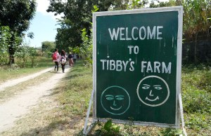 Tibby's Farm Entrance photo by Mac Dillera - NPVB