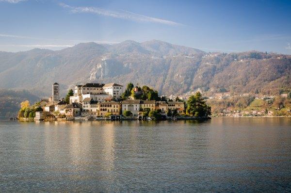 Via Basilica, Isola San Giulio, Italy by Luca Florio via Unsplash