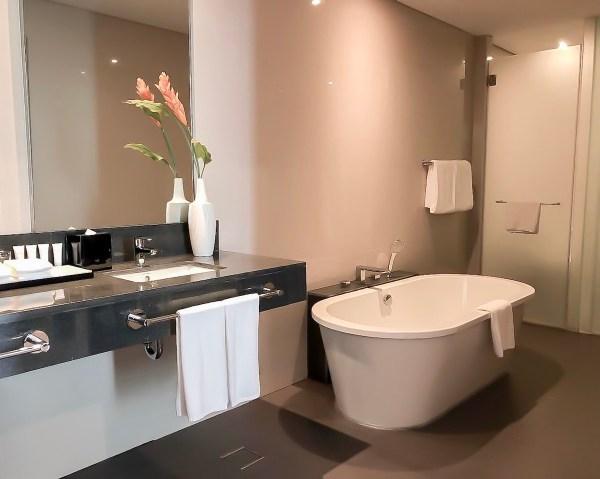 Executive Suites Bathroom