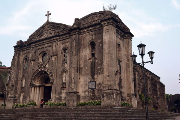 Nuestra Senora de Gracia Church in Makati by Ronaldbunag